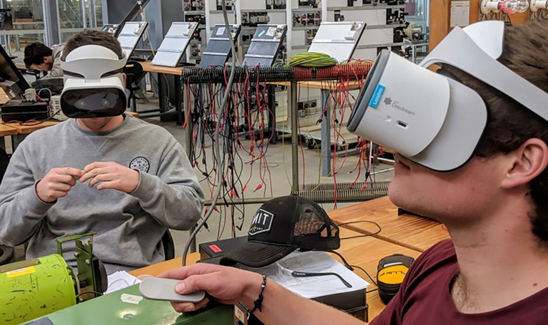 Virtual Reality Bridges Gap Between Hazardous Workplaces & the Classroom